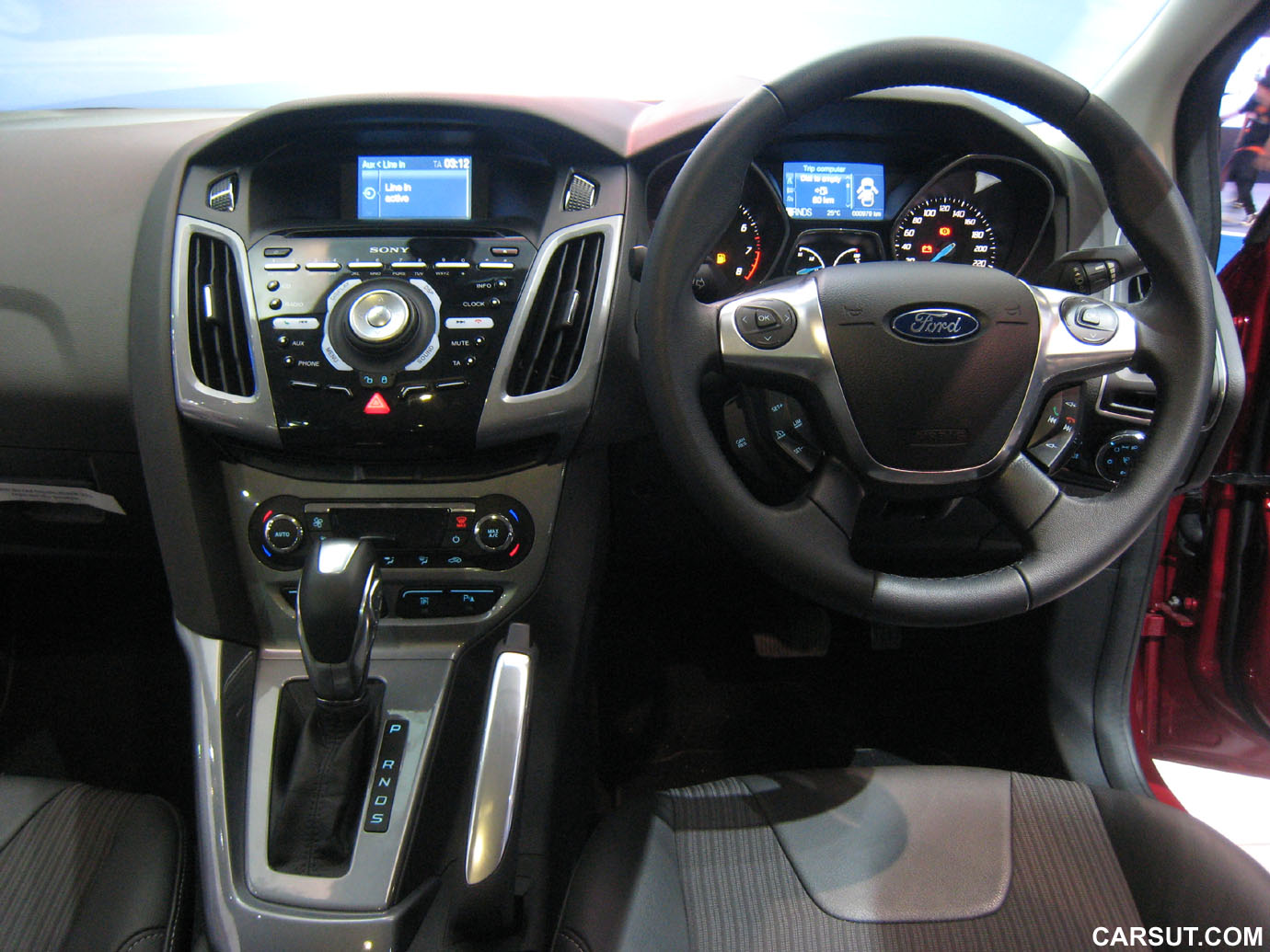 a review on 2012 all new ford focus carsut understand cars and drive better. Black Bedroom Furniture Sets. Home Design Ideas