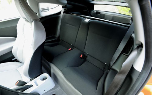 Honda CR-Z Hybrid rear seat