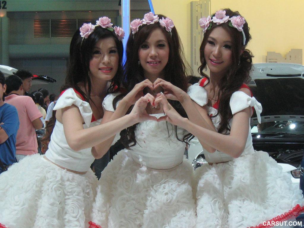 Sweet girls motor show